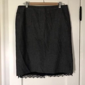 Classiques Entier Pencil skirt with lace edging.